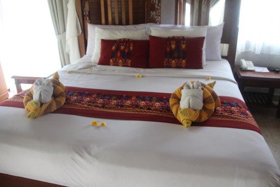 Santi Mandala : four poster double beds