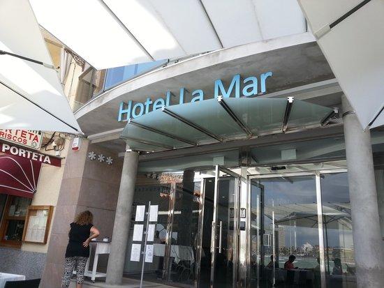 Hotel Boutique La Mar: ENTRADA HOTEL