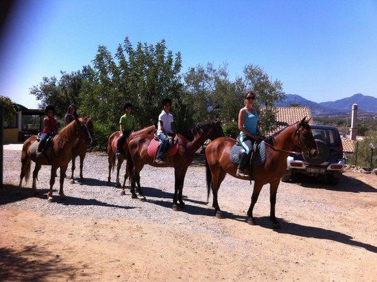 Agriturismo Chiai Francesco: Gita equitazione con merenda in agriturismo. Semplicemente fantastico!!!