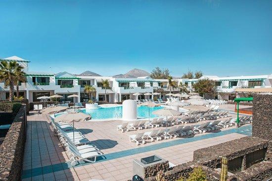 Pool picture of apartamentos riu olivina coral puerto del carmen tripadvisor - Tripadvisor apartamentos ...
