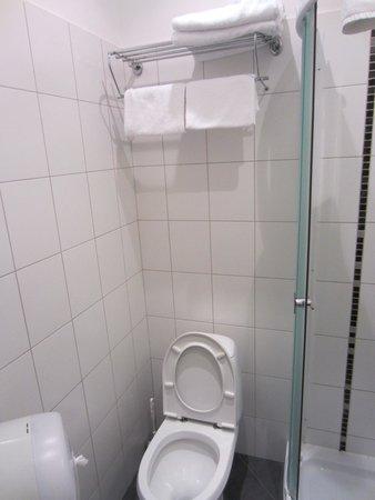 Dodo Hotel: bagno