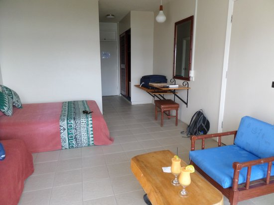 Savusavu Hot Springs Hotel: Dated room