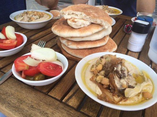 Hummus Ben Sira: lunch.........