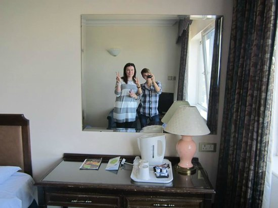 Tara Towers Hotel: The room was nice and good enough for us!