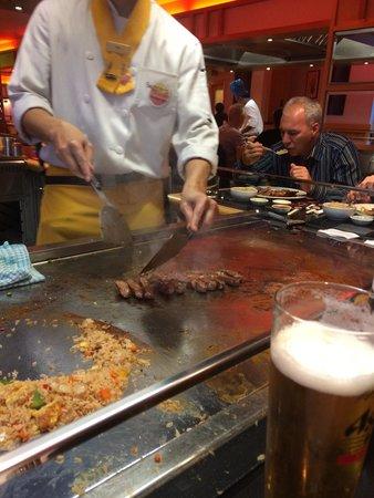 Sapporo Teppanyaki - Glasgow: Preparing sumo steak