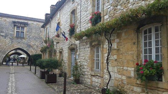 Chez Edell: View down Rue Notre Dame