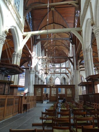 Oude Kerk : try to feel the atmosphere...no? nothing?