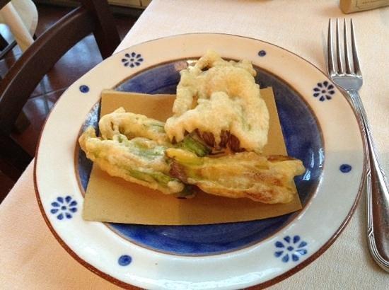 La Brinca: Fiori di zucca fritti