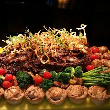 Movenpick Hotel & Resort Al Bida'a Kuwait : Breeze International Buffet