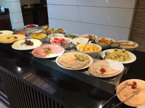 Hotel Dann Carlton Bogota: Colazione reparto frutta