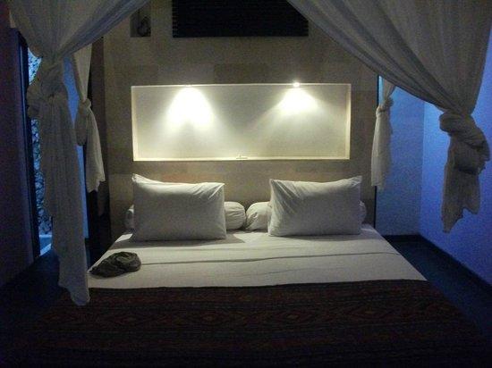 Bali Hotel Pearl: Inside room
