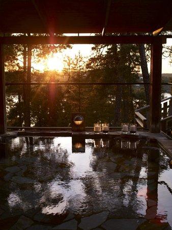 Saltsjo-Boo, Szwecja: Hot spring in sun set