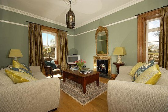 Glebe House Bed and Breakfast: Sitting Room