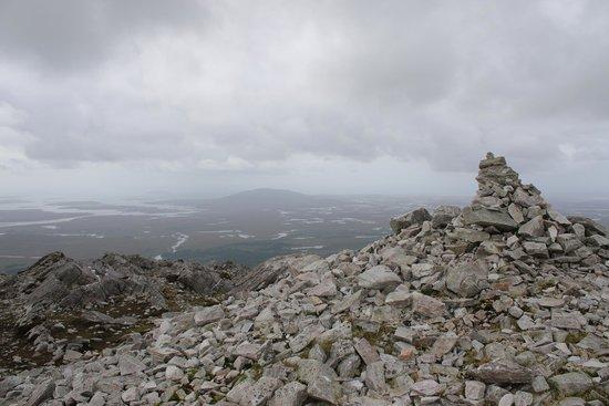 Ben Lettery Connemara Hostel: View on top of Ben Lettery