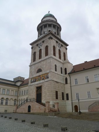 Pannonhalma, Hungary: Базилика св.Мартина