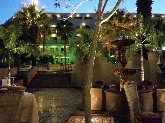 Monte Christo : Courtyard