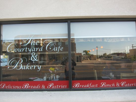 Courtyard Cafe and Bakery: This is the place!