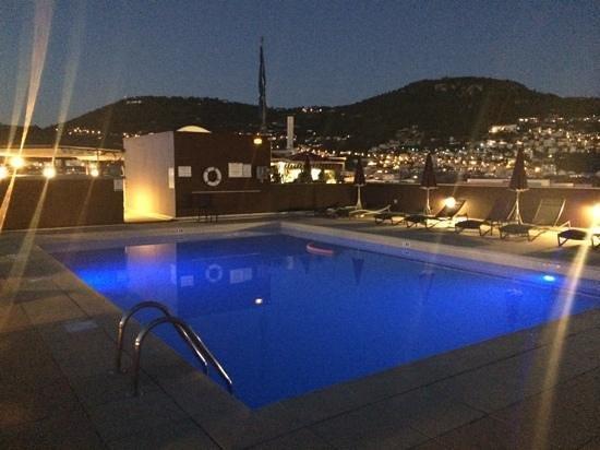 NH Nice: Pool am Abend