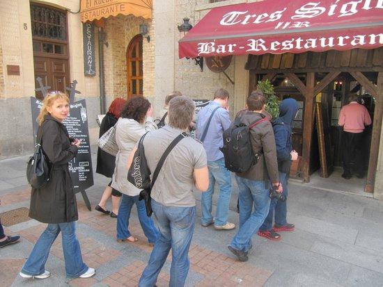 Tres Siglos: Вход, очень кушать хочется
