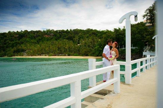 Cape Panwa Hotel: Вид на пляж с пирса