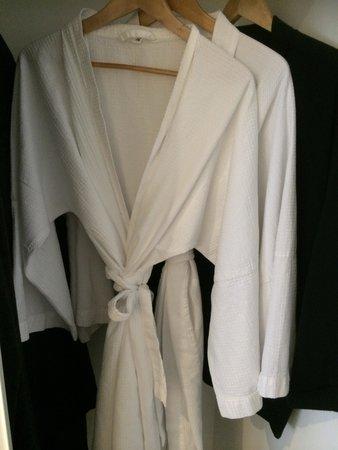 Rydges Sydney Central: Crisp white dressing gowns.