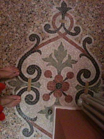 Chateau de la Redorte : Flooring