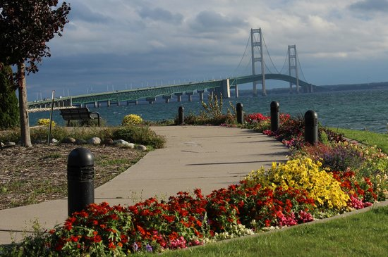 Mackinaw Trolley- Day Tours: Tour view from Upper Peninsula
