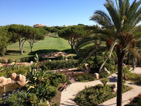 Hilton Vilamoura As Cascatas Golf Resort & Spa: Golf course view from room