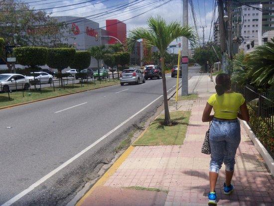W&P Santo Domingo: Headed to the mall
