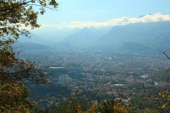 Park & Suites Grenoble Meylan: Grenoble vista das montanhas
