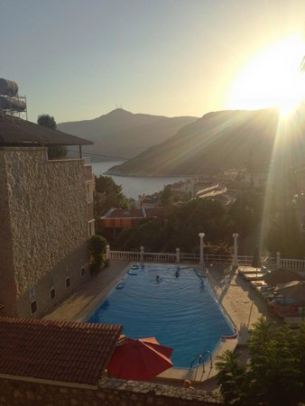 3T Hotel: View of the pool area and on to Kalamar Bay from 3T Apart Otel