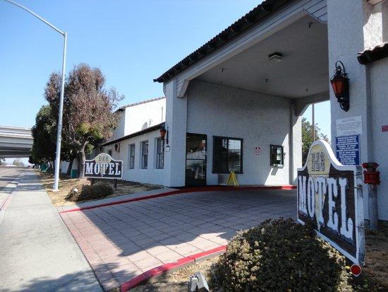 E-Z 8 Motel Old Town: esterno motel