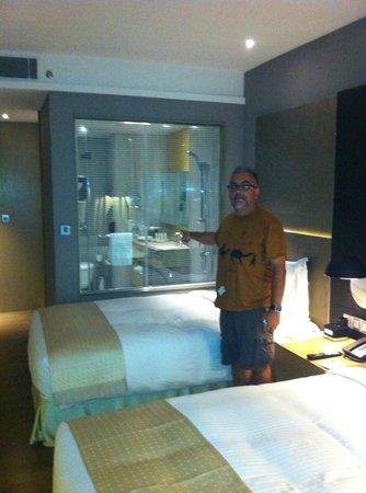 Holiday Inn New Delhi International Airport: BATHROOM