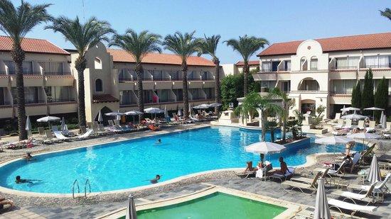 Napa Plaza Hotel: Poolside