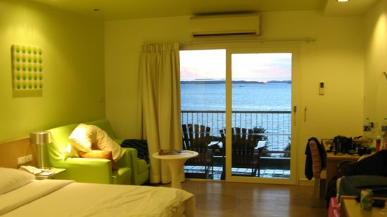 Best Bella Pattaya: Room view towards balcony