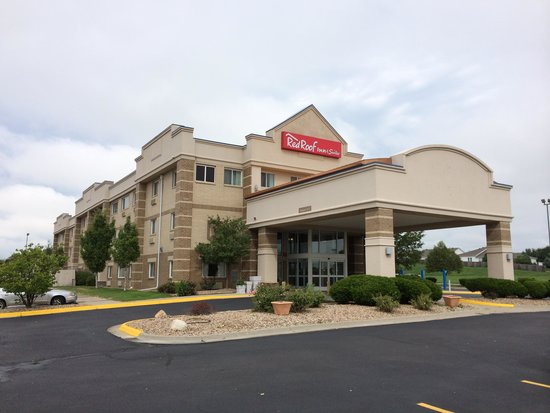 Red Roof Inn & Suites Lincoln