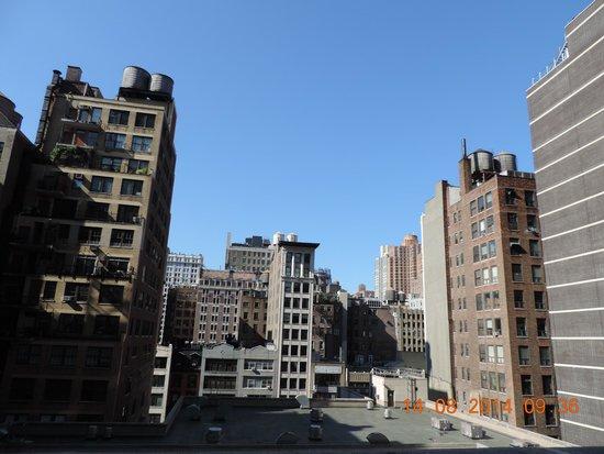 Life Hotel: Вид из окна на 31st.