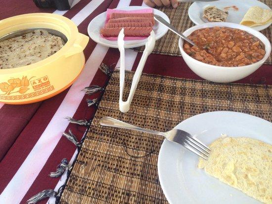 Ifja Inn: Colazione maldiviana!