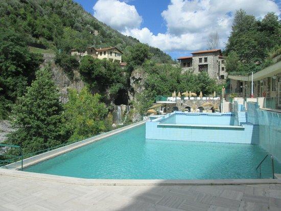 Grand Hotel Pigna Antiche Terme : piscine esterne estive con getti