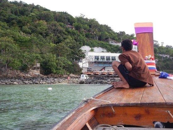 Villa 360 Resort & Spa: Vista do hotel de dentro do barco