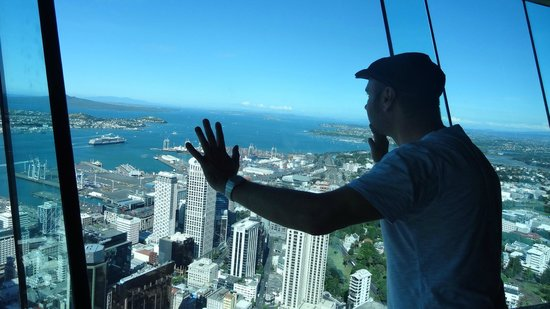 Sky Tower : pushin' the world into balance
