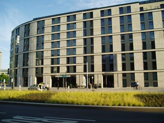 Motel One Frankfurt-Messe: Hotel