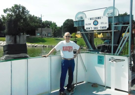 The Robert Morris Inn: On the Oxford/Belleview Ferry - Cabin is over his right shoulder.