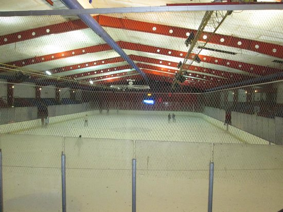 Silver Blades Ice Rink: The rink