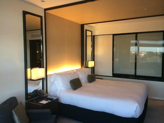 Crown Metropol Perth : room