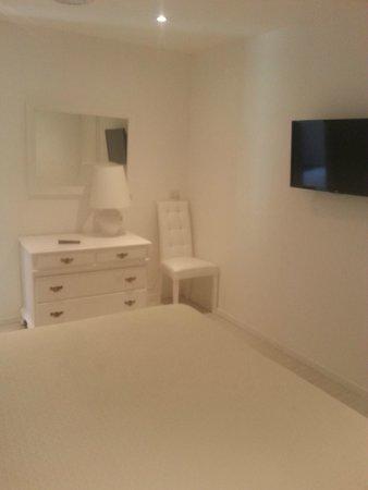 Esperidi Resort: camera da letto