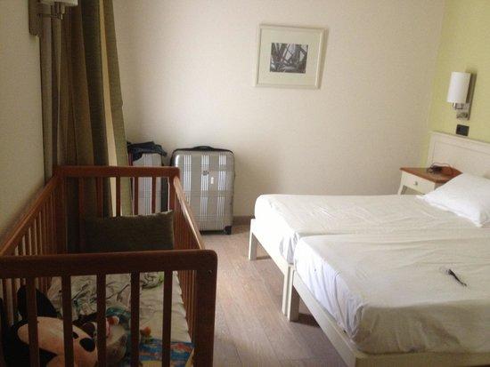 Wohnzimmer Gebäude 4 ist gleichzeitig Schlafzimmer der Kids - Bild ...