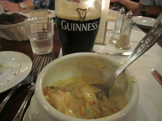 The Laurels Pub : Seafood chowder with a pint of Guinness