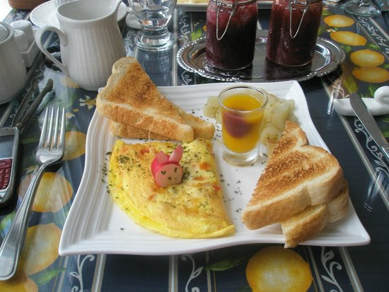 Au Coq du Bonheur B&B: Petit déjeuner_assiette du 3e service