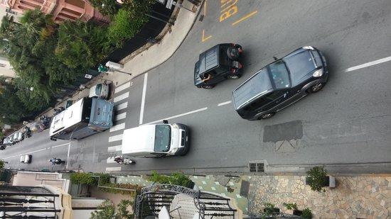 Hotel Giulio Cesare : Живописный вид из окна вниз